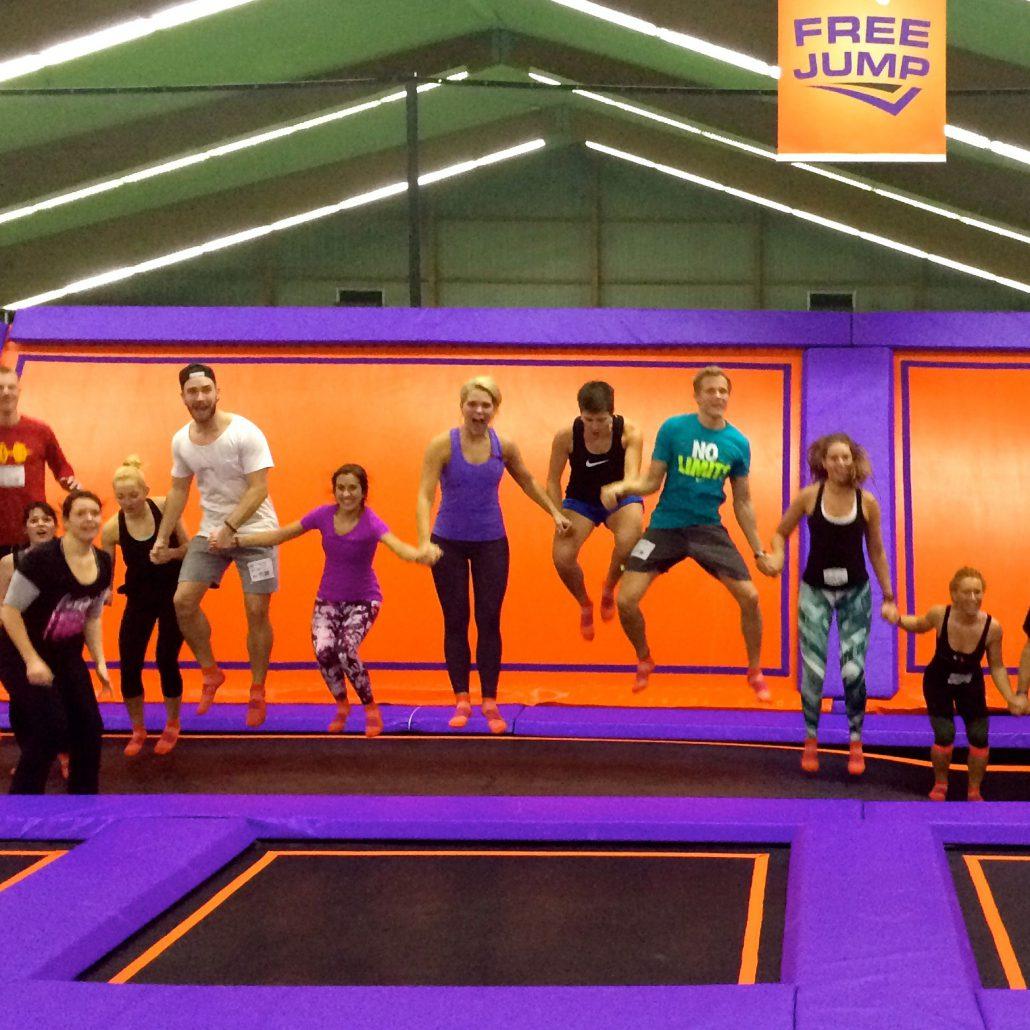 Jumphouse Hamburg - Sprung der Menschenkette - Sportblog Extrarunde
