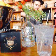 Gin Tonic an der Clockers Bar